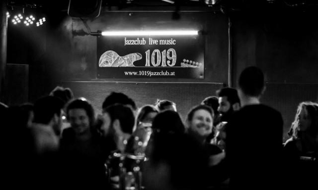 """Fotografischer Eindruck der Musikspielstätte """"Club 1019"""""""